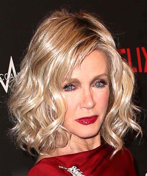 Photos Of Donna Mills Curly Frosted Hairstyle From The 89s | donna mills medium wavy casual bob hairstyle with side