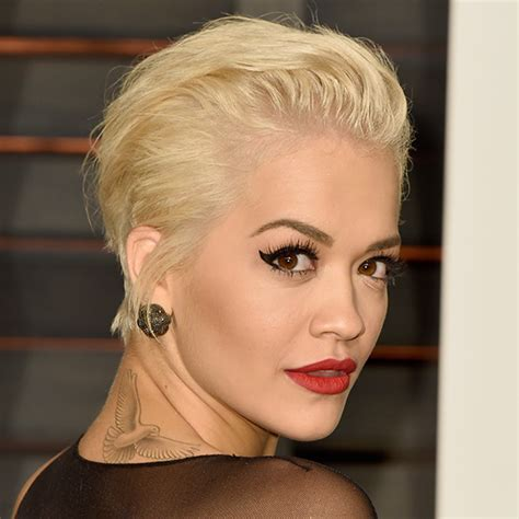 rita oras new short haircut from the 2015 grammy awards lipstick кратки фризури мираж