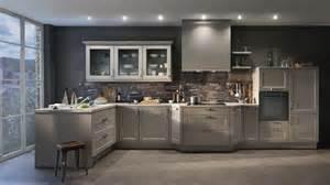 quelles couleurs pour les murs d une cuisine aux meubles