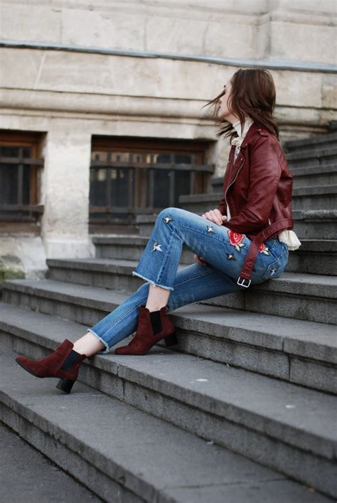 pair  embroidered jeans  elevate  outfit