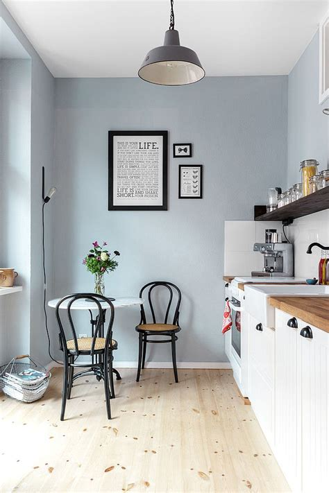 Small Breakfast Nook In The Corner Of The Kitchen Design