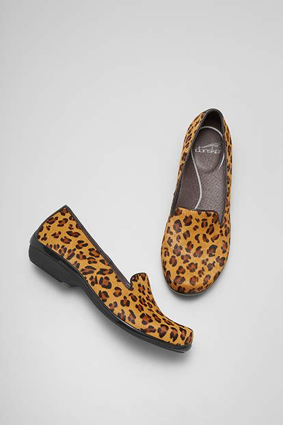 comfortable shoes like dansko comfortable and fashionable shoes meet dansko she buys cars
