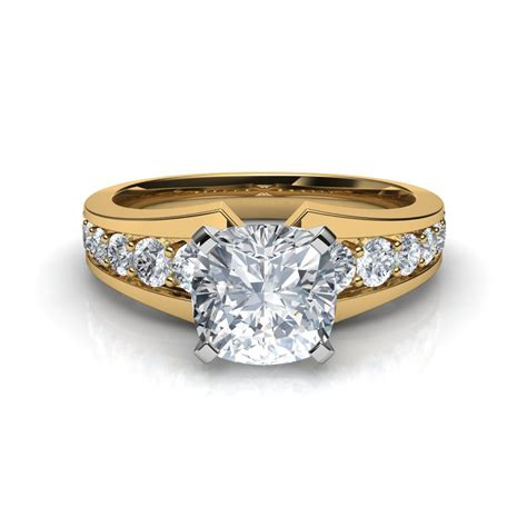 ring cusion graduated pave cushion cut engagement ring