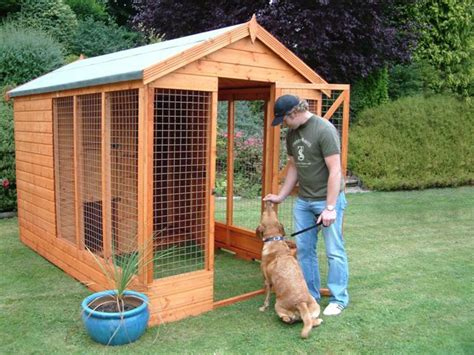 backyard dog kennel ideas 25 best ideas about dog kennel and run on pinterest