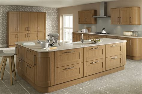 mastercraft kitchen cabinets mastercraft oak kitchen cabinets maplecrest mastercraft
