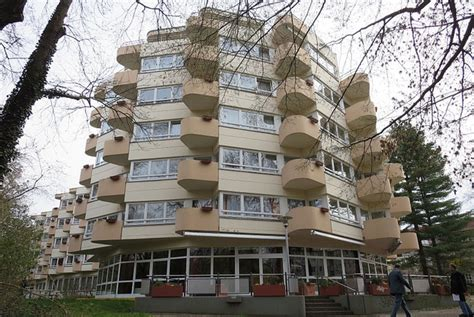 deutsche bank immobilien berlin deutsche wohnen kauft pflegeheime berlinovo