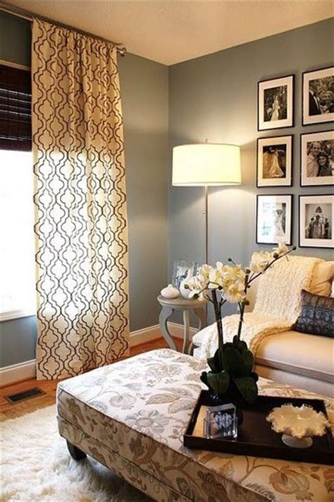 what colour curtains with green walls sage green walls white baseboards ceiling to floor
