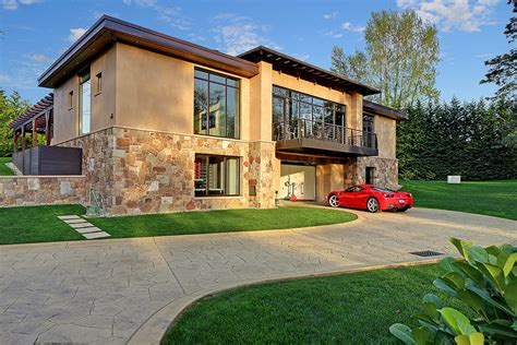3 Car Garage House