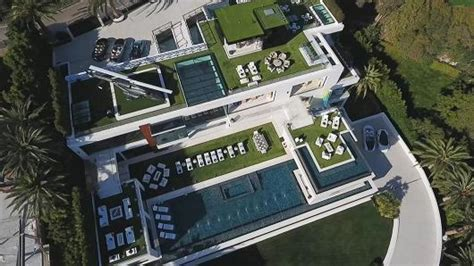 inside bruce makowsky s 250 million dollar mansion metro take a peek inside the most expensive home for sale in the us