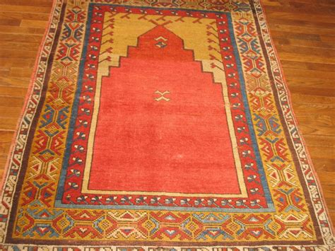 turkish prayer rugs central anatolian turkish prayer rug possibly konya 3 6x5 6 excellent condition rugrabbit