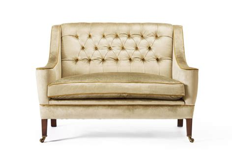 Sofa Eaton by Eaton Buttoned Sofa The Chair Company