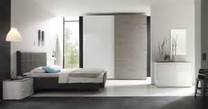 schlafzimmer grau streichen funvit streichen in rot grau und beige