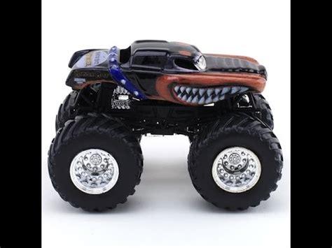 mutt truck mutt rottweiler truck stop motion
