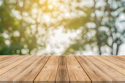 imagen de fondo de madera foto gratis tablas de madera con 225 rboles desenfocados de fondo