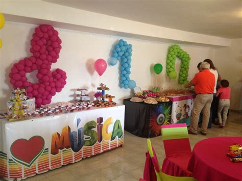 decoracion de mesas para fiestas infantiles fiesta infantil decoraci 243 n musical mesa de dulces notas