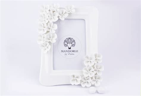 cornici bomboniere matrimonio portafotografie porcellana decoro fiori bomboniera