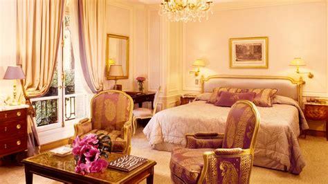 pink gold bedroom h 244 tel plaza ath 233 n 233 e paris 206 le de france france