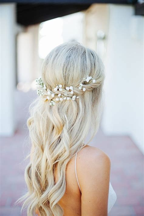 best 25 wavy bridal hair ideas on wavy wedding hair simple wedding hairstyles and