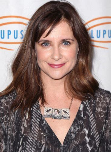 kellie martin bob hairstyle pictures 27 michelle williams hair pixie bob long updo red