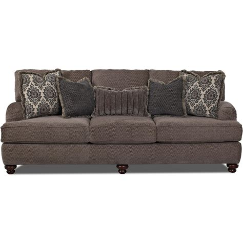Klaussner Sofa Uk by Klaussner Declan Traditional Sofa With Turned Dunk