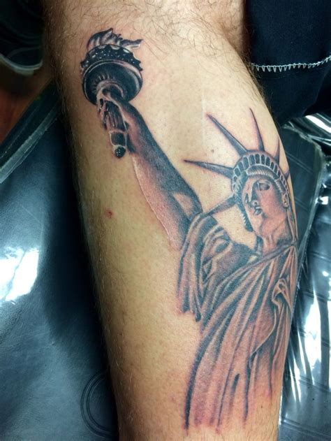 libertyville tattoo statue of liberty by joe gurmo krazy 8 tat2 in