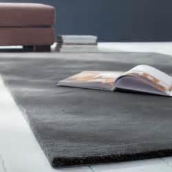 tapis 200 x 200 tapis 224 poils courts en anthracite 200 x 200 cm soft