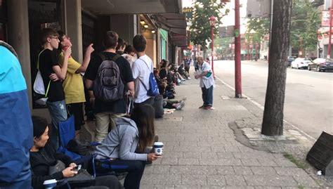 kendrick lamar vancouver kendrick lamar s damn pop up attracts lineup of hundreds