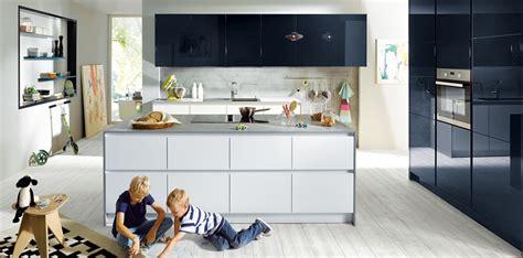 Bar Island Kitchen glasline matt west london kitchens