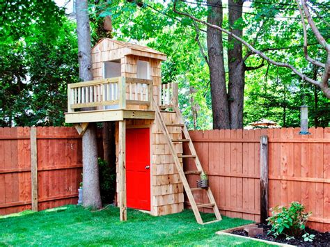 10 creative tree house ideas taylor homes build a beautiful playhouse hgtv