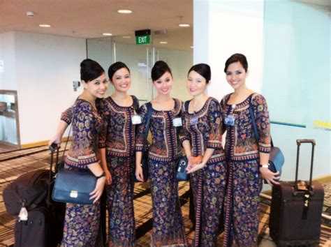 cabin crew in airlines singapore airlines flight attendant pramugari