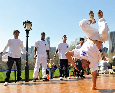 Kaos Broklyn dancers nyc hip hop and breakdance manzana city crew