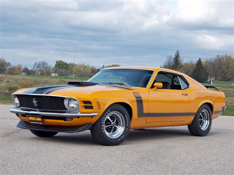 1970 ford mustang boss 302 with shaker hood scoop option