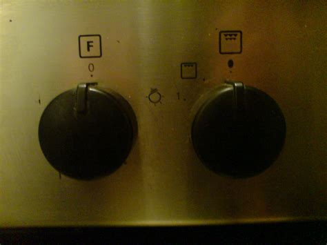 Whirlpool Oven Knob Symbols by We Recently Moved And The Built In Cooker In The