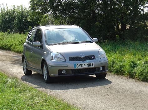 toyota yaris sport toyota yaris t sport review 2001 2005 parkers