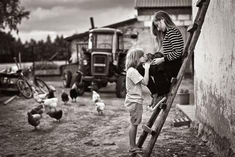 imagenes a blanco y negro de felicidad summertime izabela urbaniak photographer