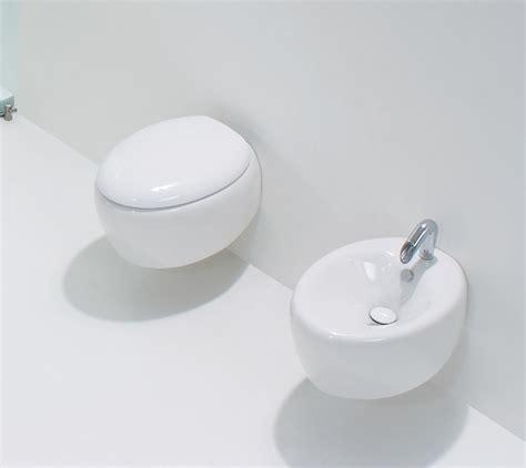 pezzi bagno sospesi sanitari moderni touch