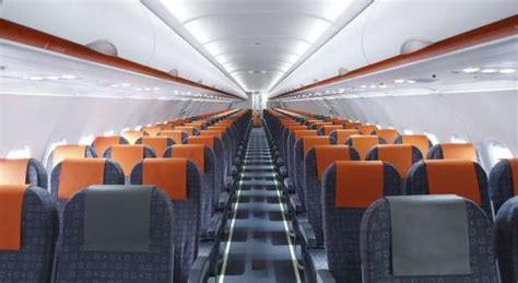 posti a sedere easyjet easyjet plus oferece aumento do limite de bagagem algarlife