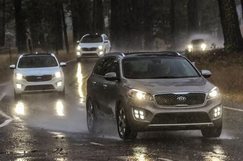 kia vehicle lineup 2016 kia sorento sx limited front lineup in motion 1 photo 3