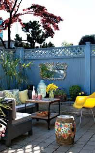 Small Backyard Patios by 25 Best Ideas About Small Outdoor Patios On Pinterest
