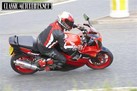honda cbr f honda cbr600f road test classic motorbikes