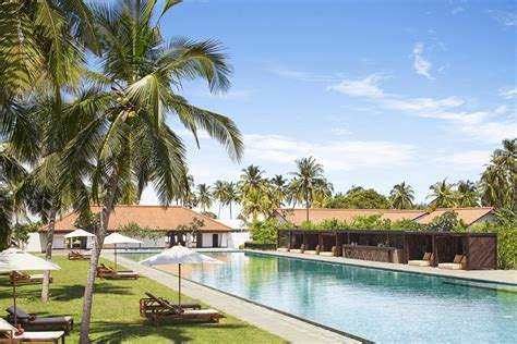 catamaran beach hotel colombo airport resort jetwing lagoon negombo sri lanka booking