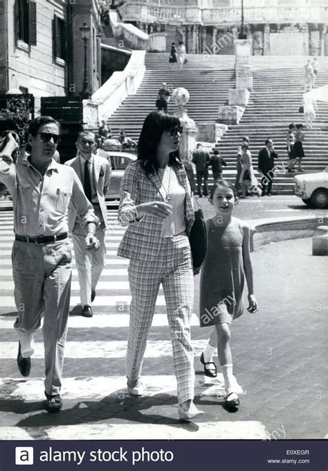 elsa martinelli en la actualidad jul 07 1966 italian screen star elsa martinelli and