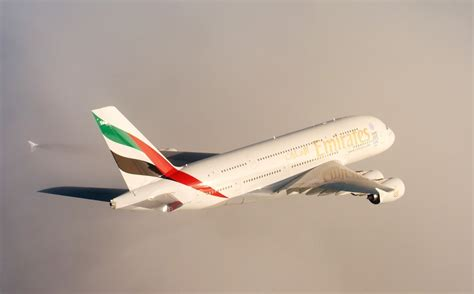 file inaugural emirates flight from dubai to oslo jpg wikimedia a380s on both new zealand auckland non stop and south