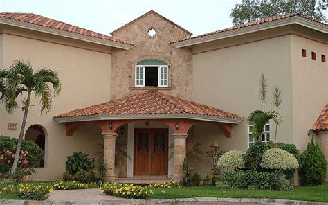 dejando por fuera otros importantes sectores que tambien conforman lo fachadas de casas con molduras de cantera