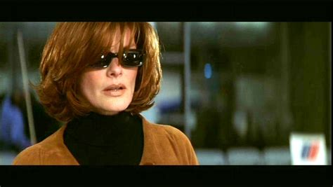 How To Get The Rene Russo Thomas Crown Affair Hair Cut | photos of rene russo