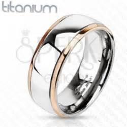 eheringe kupferfarben ring aus titan mit kupfernen r 228 ndern und silberner mitte