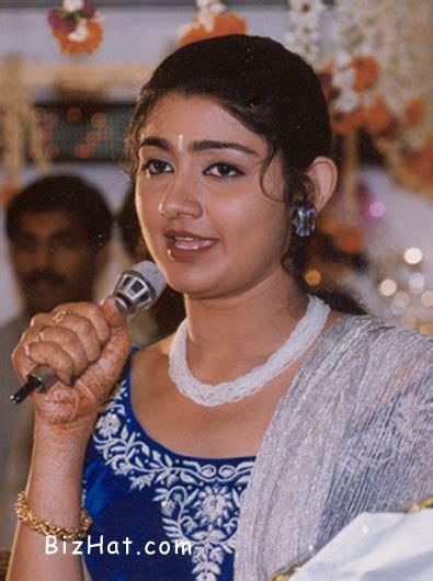kerala actress divya unni bizhat divya unni photo gallery