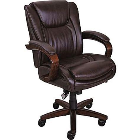 la z boy office chair la z boy dawes manager s high back center pivot chair