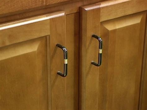 buy kitchen cabinet handles how to buy new handles for kitchen cabinet modern kitchens
