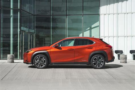 2019 Lexus Ux Hybrid by Lexus Ux 250h 2019 Review Carbuyer Singapore